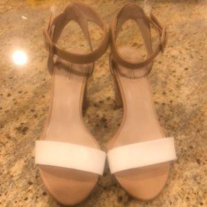 Zara woman beige/white strappy ankle heels size 9
